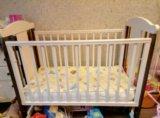 Детская кроватка+подарки. Фото 3.