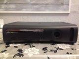 Xbox 360 e. Фото 1.