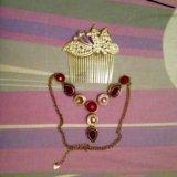 Заколка для волос и ожерелье. Фото 1.