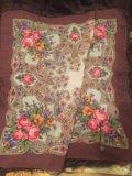 Новый платок шерстяной с шелковой бахромой. Фото 1.
