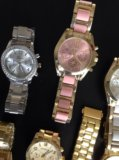 Часы цены от 1000 р до 1300. Фото 2.