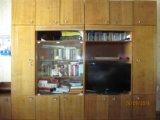 Стенка полированная с антресолями. Фото 1.