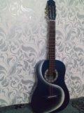 Акустическая 6 струнная гитара. Фото 1.