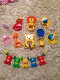 Погремушки и игрушки для малыша. Фото 1.
