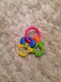 Погремушки и игрушки для малыша. Фото 2.
