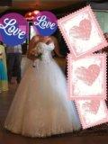 Шикарное свадебное платье. Фото 1.