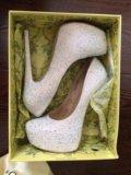 Туфли со стразами. Фото 1.