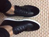 Женские кроссовки. Фото 1.