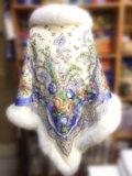 Утепленная накидка из павловопосадского платка. Фото 2.