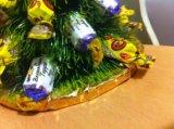 Елочка из конфет. Фото 2.