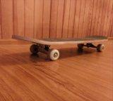 Продается новый скейтборд. Фото 1.