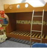 Двухъярусная кровать. Фото 1.