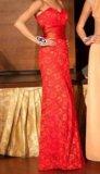 Красное платье в пол. Фото 1.