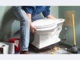 Сантехник. замена унитазов и смесителей. Фото 1.