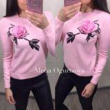 Женский свитер с розой, в наличии, 42-46. Фото 3.