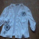 Блузка р 42,майка с горлом р36,пиджак 42,блуза 42. Фото 3.