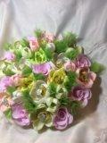 Искусственный букет цветов с конфетами. Фото 4.
