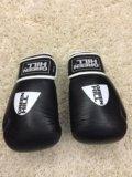 Перчатки боксерские. Фото 1.
