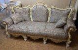 Новый комплект классической мягкой мебели. Фото 2.