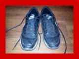 Кроссовки, изрядно б/у. Фото 1.