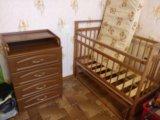 Детская кроватка с матрасом и пеленальный комод. Фото 3.