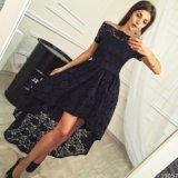 В продаже очаровательное платье из гипюра. Фото 1.