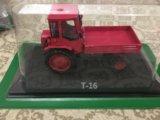 Модельки тракторов. Фото 3.