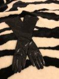 Перчатки удлинённые лакированные. Фото 2.