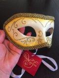 Маскарадная маска. Фото 1.