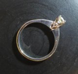 Помолвочное кольцо 16.5 с бриллиантом 0.35 карат. Фото 3.