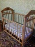 Кровать-маятник с матрасиком. Фото 1.