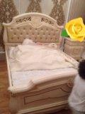 Итальянская спальная мебель из натурального дерева. Фото 1.