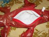 Змея - на пузе карман на замке. Фото 4.