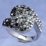 Кольцо серебряное с кристаллами сваровски oliver. Фото 1.