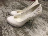 Туфли белые свадебные. Фото 1.