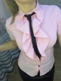 Блуза рубашка офисная розовая с жабо. Фото 2.