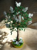 Деревья из бисера. Фото 2.