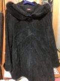 Куртка из велюра с капюшоном. Фото 1.