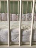 Детская кроватка с матрасом. Фото 3.