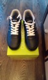Новые кроссовки adidas. Фото 1.