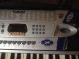 Клавиши синтезатор электроорган. Фото 3.