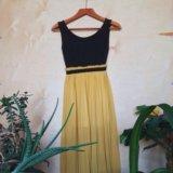 Платье с плиссированной юбкой. Фото 1.
