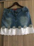 Джинсовая юбка с шитьем. Фото 1.