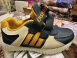 Новые кроссовки со светодиодами и подзарядкой. Фото 4.