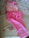 Нарядный костюм для девочки. Фото 1.