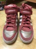 Продам новые кроссовки адидас женские. Фото 1.