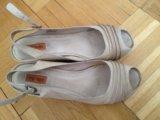Бежевые туфли на платформе+платье. Фото 2.