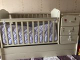 Детская кроватка с матрацем. Фото 4.
