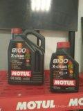 Моторное масло motul. Фото 1.