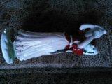 """Фарфоровая статуэтка """"женщина с кувшином"""". Фото 1."""